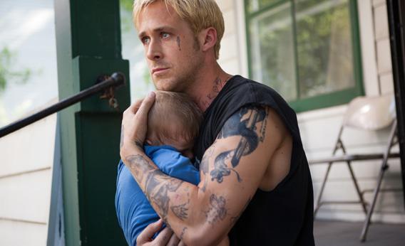 Un bébé pleure, Luke le calme d'une étreinte hors du temps, moment de cinéma étonnant et mystique.